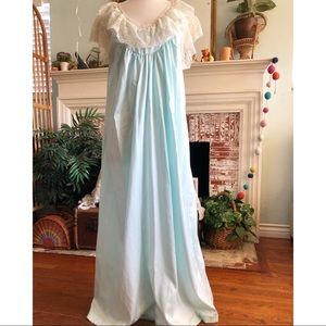 Vintage blue Lily of France nightgown